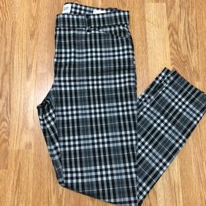 Skinny Ankle Pants in Grey Plaid / Tartan